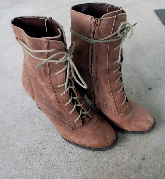 Vintage Distressed Nine West lace-up boots