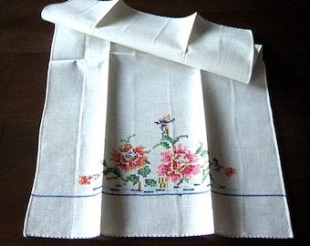 TOWEL Vintage Linen Hand Embroidered Fun Kitchen Bath Display RAINBOW EMBROIDERY