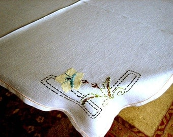 EMBROIDERED tablecloth HAND STITCHED Garden Lattice and Applique FLowers