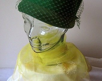 HAT Vintage PILL BOX Era Costume Tall Green Face Net with Scarf