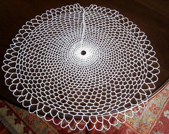 Doily runner Table scarf Ecru Crocheted WIDE WEB White Net Lace Round White
