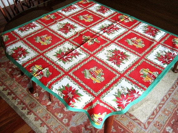 Christmas Holiday Very Vintage TABLECLOTH Retro FEEDSACK Print HOLLY Berries