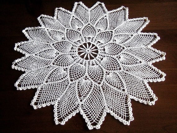 Doily tablecloth table runner scarf crochet lace Classic PINEAPPLE Arms LARGE 26 inches
