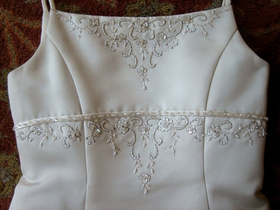 Authentic vintage DRESS Girls WHITE HOLIDAY Communion Wedding Party fancy sharp Fancy Beaded Satin