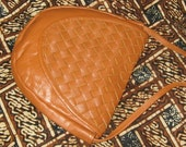 Vintage 70s Butterscotch Woven Leather Pouch Purse Shoulder Bag