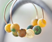 Simple Filled Hoops Earrings 14K Gold Web Agate Milticolor - Colorful Yellow Green tbteam