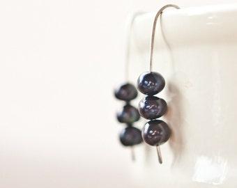 Modern Earrings Argentuim Sterling silver Peacock Black Pearls Midnignt minimalist design