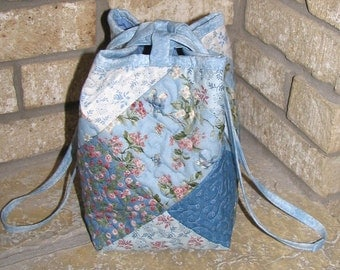 Quilted Lunch Bag, Drawstring Building Block Bag, Blue Spiral