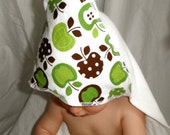 Bamboo Hooded Baby Towel: Apples