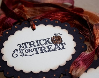 Halloween Gift Tags -Trick or Treat - Glittered