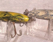 2 VINTAGE PLASTIC FISHING LURES ,TWIN PROP, SET of DIAMOND JIM LURES