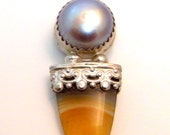 Slate grey freshwater pearl and agate tongue pendant