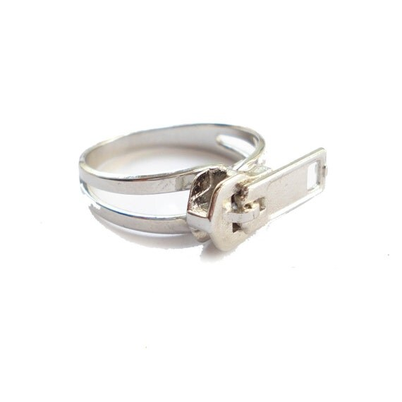 Zipper Ring in Silver - FREE SHIPPING