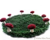 Fairy Ring Rug With Dark Red Speckled Toadstool Mushrooms 2.5 ft. (30 in.)