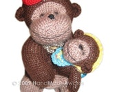 Mom Gorilla and her baby  pocket friend pdf Email knit  Pattern