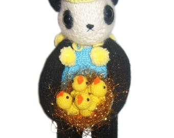 Panda BEAR with CHICKS into a golden Nest Knit PATTERN pdf Email
