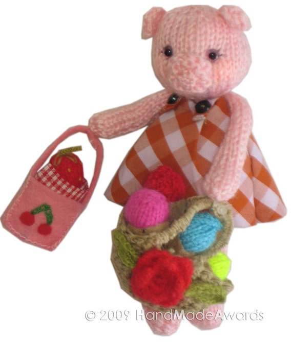 Sweet LADY PIG with Acorns Pdf Email Knit PATTERN