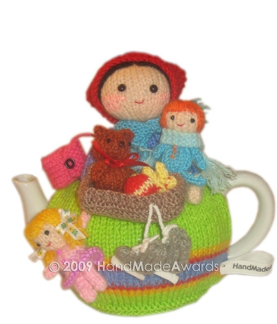 Mom Anne with her Children Goes for Skating TEA Cosy  PDF email Knit PATTERN