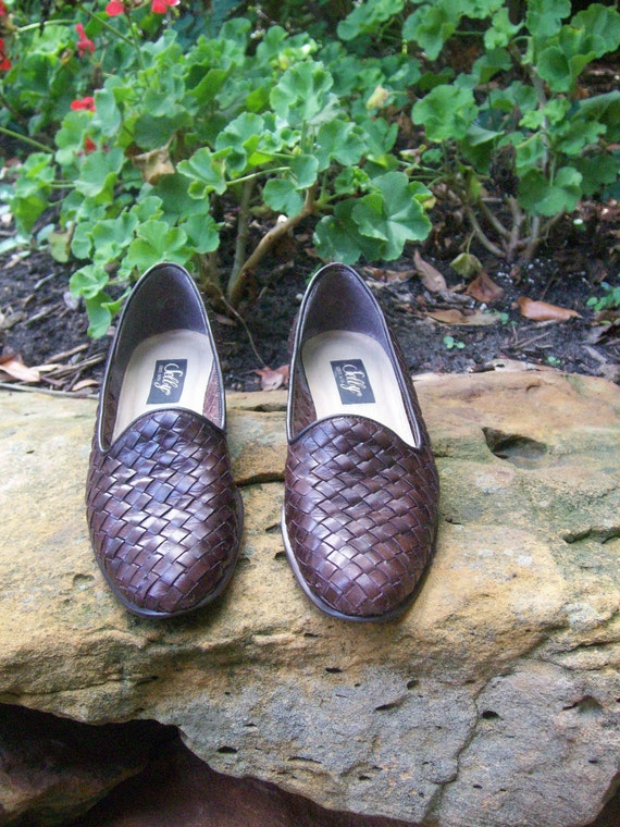 5 DOLLAR Sale .  Basket Weave Woven LEATHER Brown LOAFERS Flats