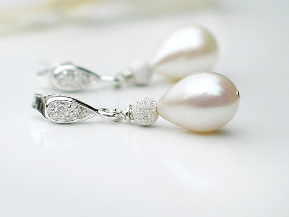 Bridal Jewelry Teardrop Pearl Earrings / Ivory White Freshwater Pearls w Crystal in Sterling Silver / Allure Stardust Silver