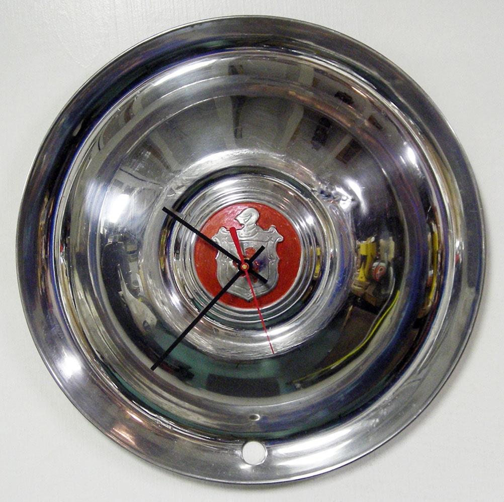 1950 39 s lyon hubcap clock classic car hub cap automotive. Black Bedroom Furniture Sets. Home Design Ideas