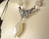 Pearl Chalcedony Art Deco Pendant Necklace in Silver