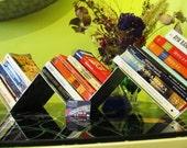 Zig-Zag Bookshelf