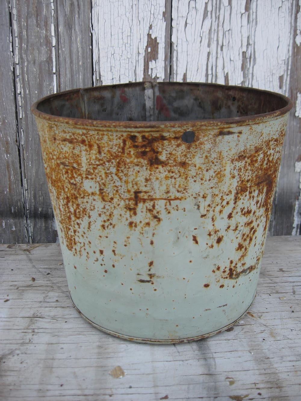 Vintage metal aqua rusty sap bucket for Old metal buckets