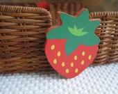 Vintage Avon Summer Hostess Wicker Strawberry Napkin Holder