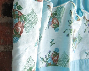 Vintage Apron Aqua Blue Kitschy Ukulele Roses Pockets Ric Rac Trim