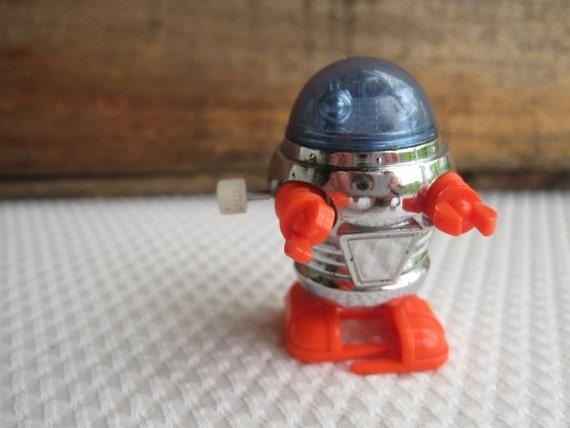 Vintage 1977 Tiny Tomy Wind Up Robot