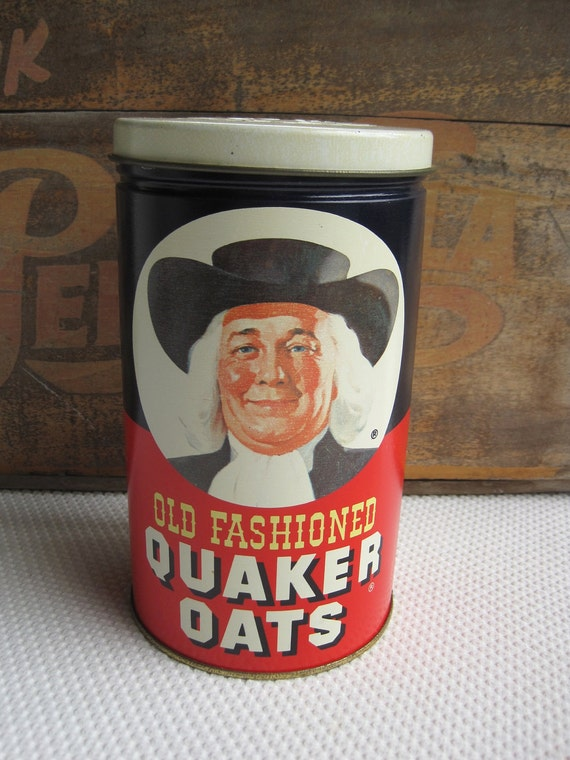 Vintage 1982 Old Fashioned Quaker Oats Tin