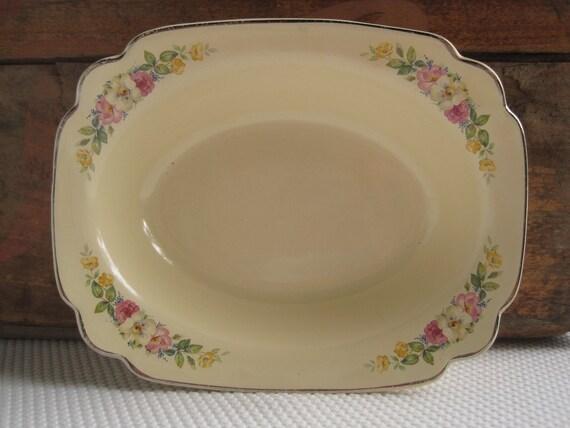 Vintage 1930's Homer Laughlin Floral Trim on Cream Serving Bowl C-30