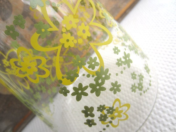 Vintage Glass Juice Carafe Pyrex Green Yellow Flowers Spring Blossom