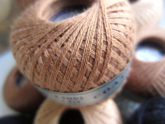 Vintage Darning Cotton Balls Coats and Clark's Box of 11 Beige Copper Brown Navy Neutral