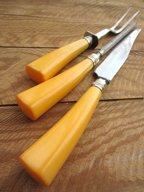 Vintage Butterscotch Bakelite Handle Carving Set Washington Forge Stainless with Wood Storage Block