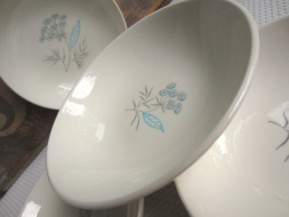 Vintage Blue Flowers Country Sweet Royal Stetson Royal Maytime Small Berry Dessert Bowls