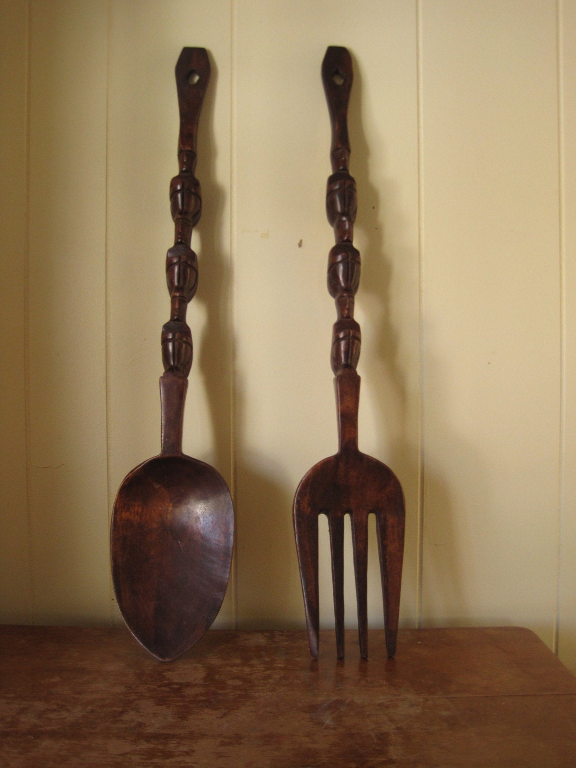 Large Vintage Wall Decor : The big kitschy fork and spoon vintage wall decor