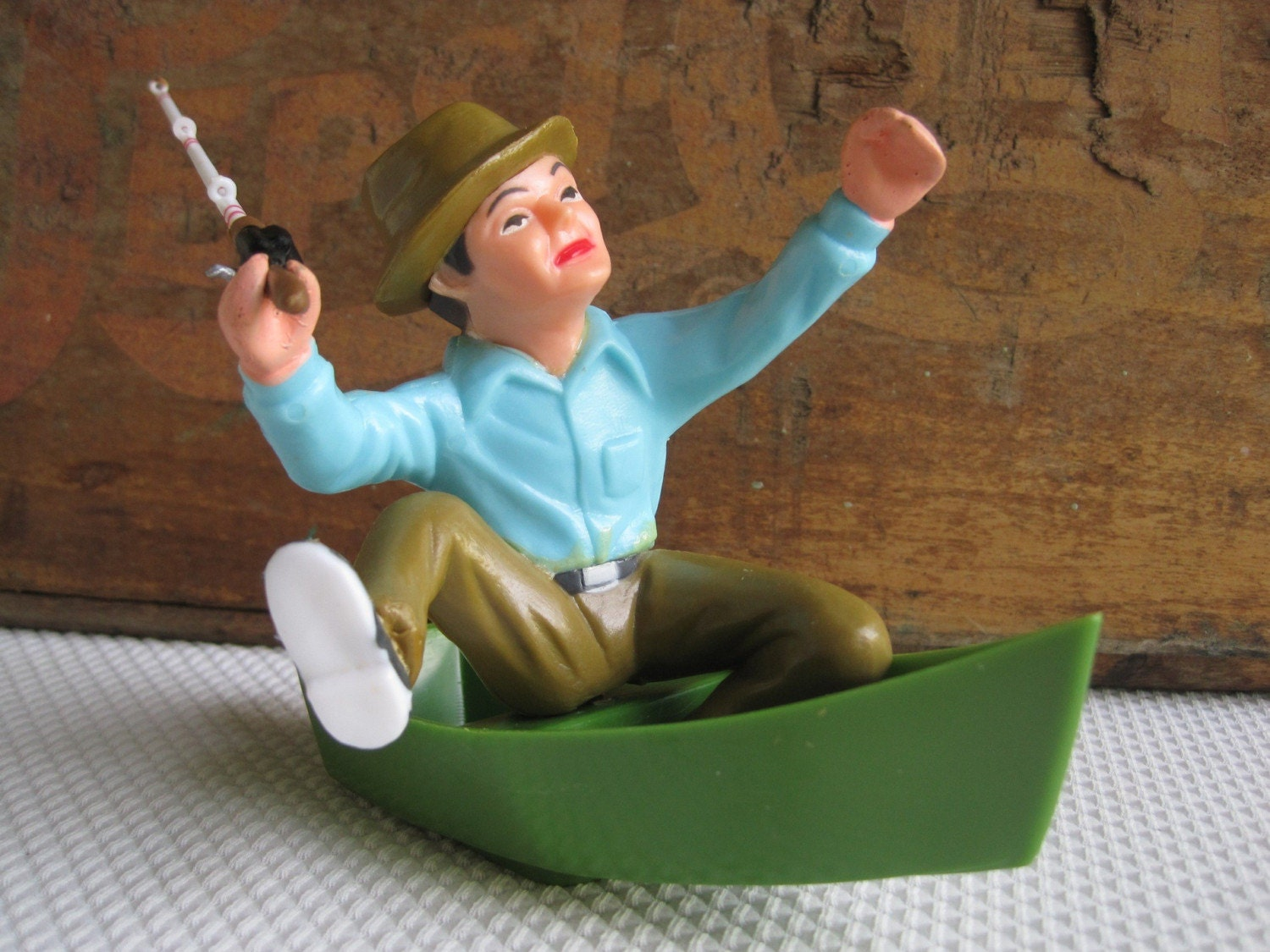 Vintage guy gone fishing cake topper for Fishing cake toppers