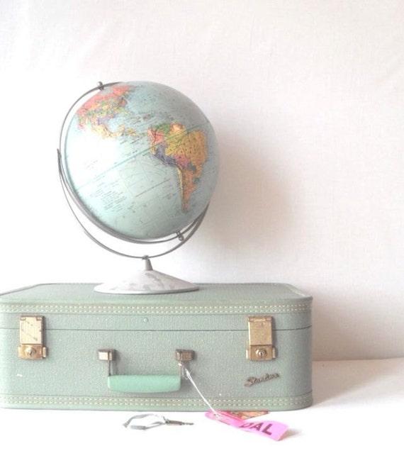 Vintage Starline Suitcase in Mint