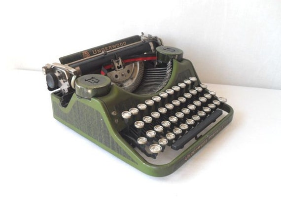 Free US Shipping Underwood Manual Typewriter Green Faux Bois