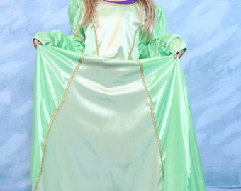 Two toned Renaissance childs dress size 6/7