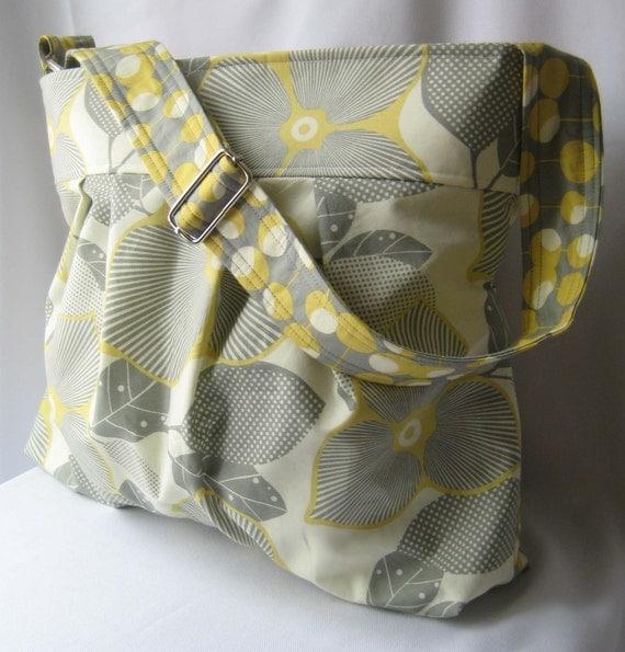Optic Blossom Emma Large Hot Mama Handbag Messenger LOW SHIPPING