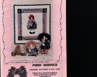 """BABY wall quilt sewing pattern 18"""" x 19"""" Baby Doll quilt, wall hanging, 10""""  Doll pattern, COUNTRY folk arts crafts, vintage sewing pattern"""