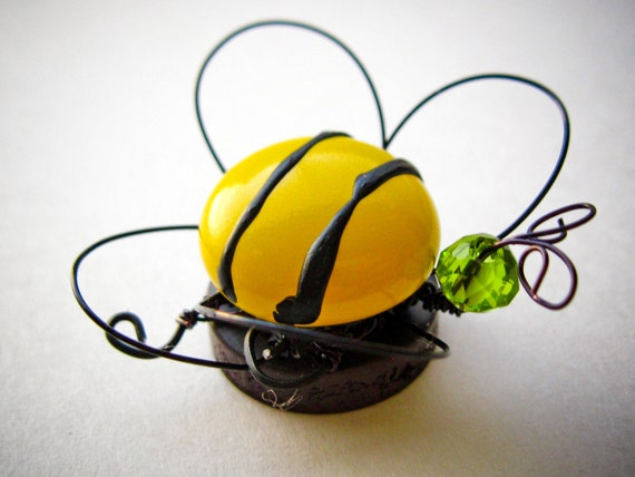 Fridge magnet bee magnet cute magnet bee home decor wire for Honey bee decorations for your home