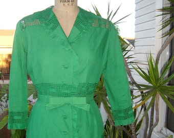 On Sale - Vintage 1960's Couture Holiday Dress - Green Embroidered Cotton Lace -  Size Medium