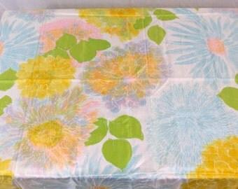 1.5 yards VTG fabric: Silky mega flowers ...