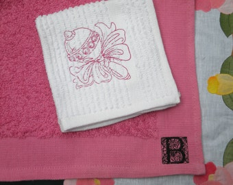 Embroidered baby burp cloth and wash cloth set