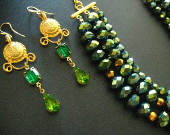Green beauty glass earrings (museum look)