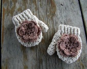 Girls Mittens with thumb and flower toddler, infant, baby, teen.  Customize yours today